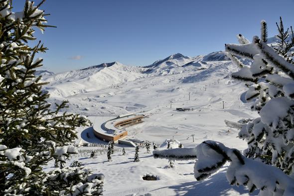 Erst vor vier Jahren wurde das Skigebiet erschlossen. Entsprechend modern sind die Anlagen.