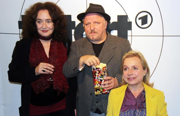 Sahen sich gemeinsam mit ihren Fans den neuen Tatort an: (v.l.) Mechthild Großmann, Axel Prahl und ChrisTine Urspruch. (Foto Karsten-Thilo Raab)