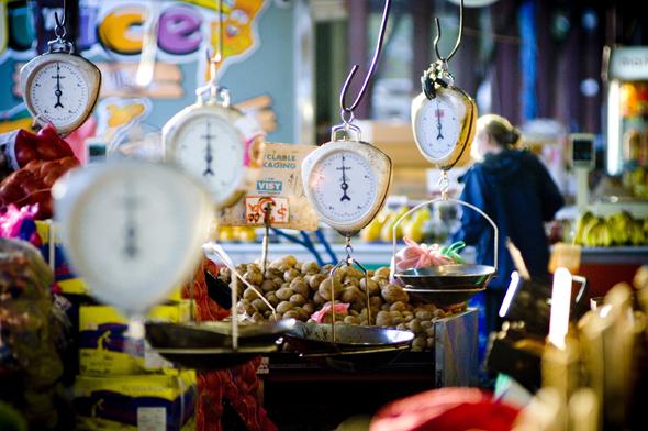 Herrlich nostalgisch und doch überaus einaldend: der Queen Victoria Market.