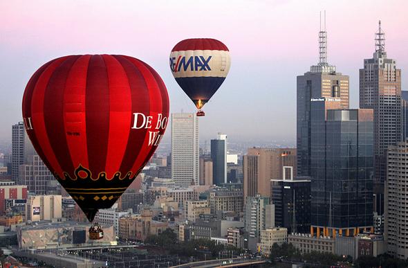 Bei Ballonfahrten lässt sich ein ganz besonderer Blick auf Melbourne werfen.