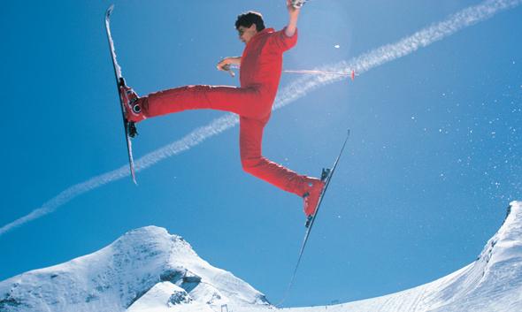 Begeisterungssprünge gab es auch schon in den 1980er Jahren auf dem Gletscher. (Foto Dietmar Sochor)