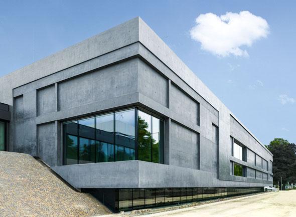 Der Erweiterungsbau des Sprengel Museums in Hannover bietet viel Platz für moderne Kunst. (Foto:Georg Aerni)