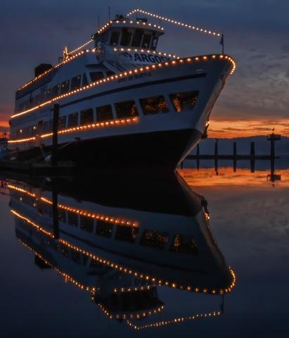 Das Christmas Ship Festival verbreitet besonderen weihnachtlichen Glanz in Seattle. (Foto Andrew C- Williams)