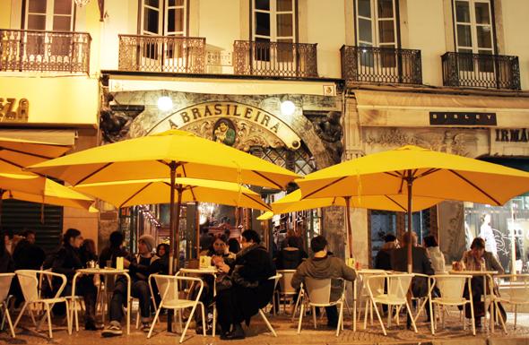 Kultstätte und Lieblingscafé des Schriftstellers Fernando Pessoa , das A Brasileira, (Foto Karsten-Thilo Raab)