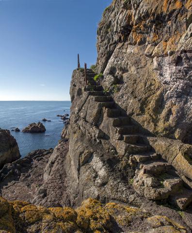 Auch einige uralte Steintreppen sind noch heute an diesem Teil der Antrim Coast zu finden.