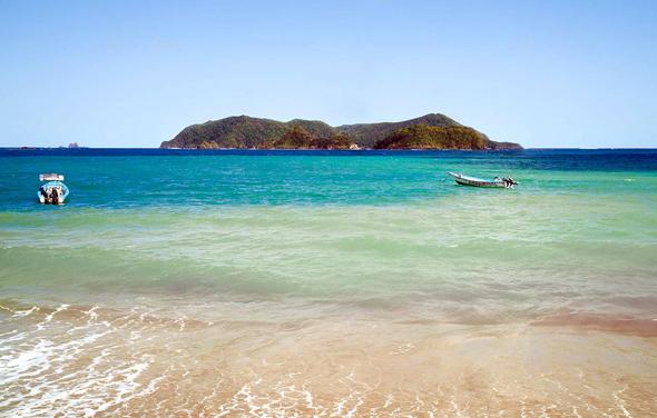 Traumhafte Strände und türkisblaues Wasser sind typisch für diesen Teil der Karibik. (Foto TDC)