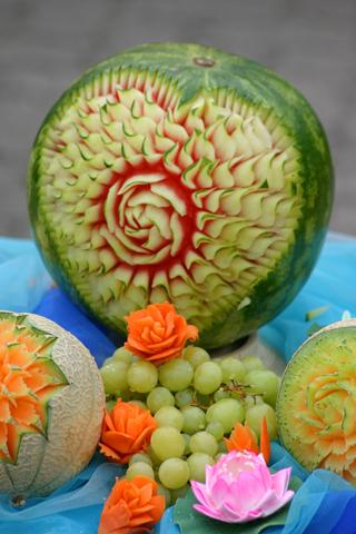Auch wenn das Obst noch so verführerisch anmutet - in einigen Ländern sollte nur Obst verzehrt werden, dass man selber schält. (Foto Karsten-Thilo Raab)