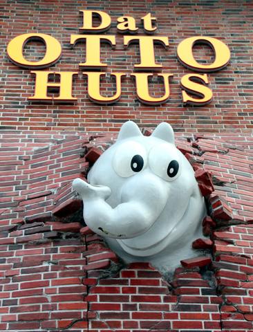 In Emden findet sich mit dem Otto Huus sogar ein Museum für den Blödelbarden. (Foto Karsten-Thilo Raab)