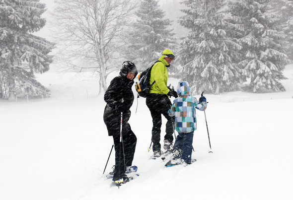 Schneeschuhwandern ist in einigen Teilen wie Treppensteigen - es geht zumindest auf dem Hinweg fast immer (leicht) bergauf. (Foto Karsten-Thilo Raab)