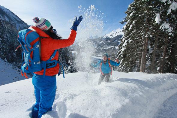 Im Lechtal lässt sich bei einer Winterwanderung abseits der Pisten Ruhe und Spaß finden. (FotoGerhard Eisenschink)