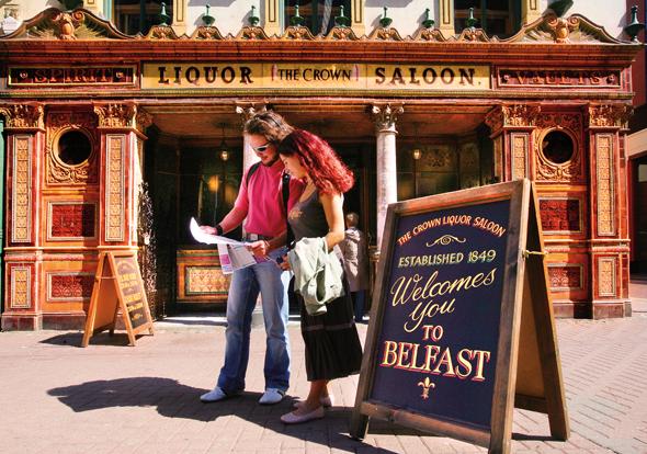 Ein Pub als Wahrzeichen von Nordirlands Hauptstadt Belfast.
