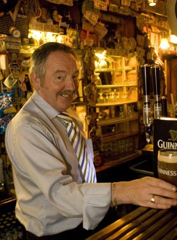 In den Pubs der Grünen Insel fließt nicht nur das Guinness in Strömen.