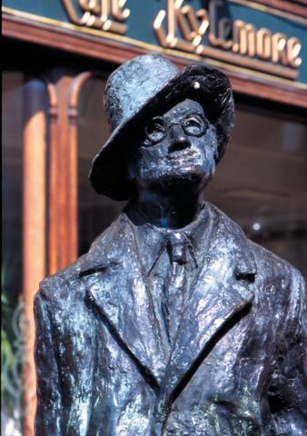 An der Earl Street North in Dublin wurde James Joyce im wahrsten Sinne des Wortes ein Denkmal gesetzt.