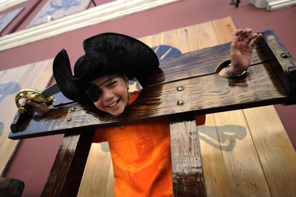 Groß und Klein können im Piratenmuseum ein hauch von Abenteuer erleben. (Foto Nassau Paradise Island)
