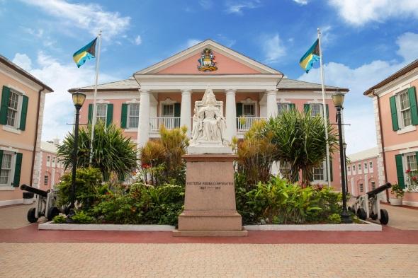 Überaus pittoresk: der Parliament Square in Nassau. (Foto Nassau Paradise Island)