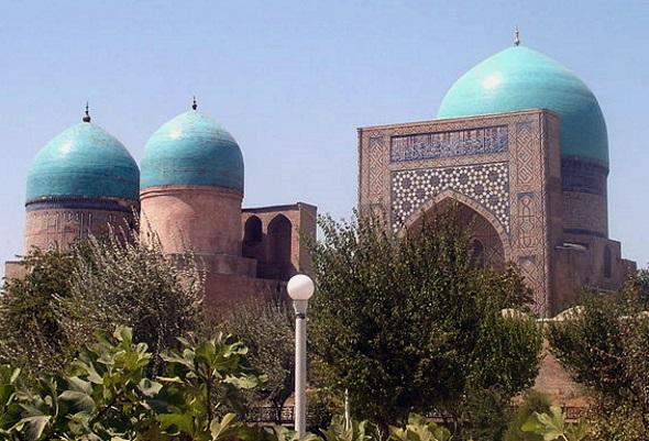 Prachtbau in Sharisabz: die Kok-Gumbaz-Moschee. (Foto Alaexis)