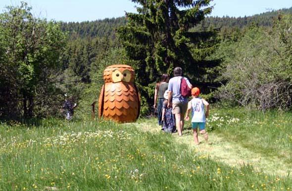 Auch Kinder kommen bei Wanderungen im Harz - wie hier am Löwenzahnpfad - auf ihrer Kosten. (Foto Ingrid Nörenberg)
