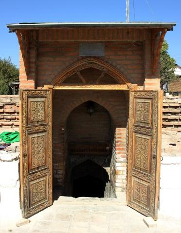 Der Eingang zur Temur-Gruft, in der der Volksheld allerdings nicht beerdigt wurde. (Foto Karsten-Thilo Raab)
