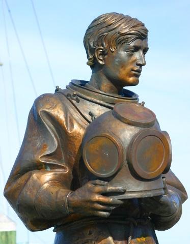 Denkmal für die griechischen Schwammtaucher in Tarpon Springs. (Foto Karsten-Thilo Raab)