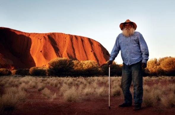 Heiligtum und Wahrzeichen zugleich: der Uluru, auch bekannt als Ayers Rock, im Outback von Australien.
