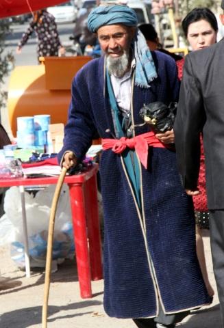 Auch einige Usbeken sind noch wie zu Timurs Zeiten unterwegs. (Foto Karsten-Thilo Raab)