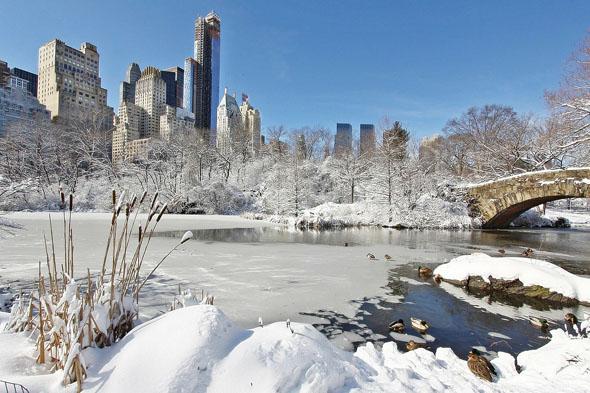 Zum Jahreswechsel ist Manhattan durchaus schon mal in Schnee getaucht.