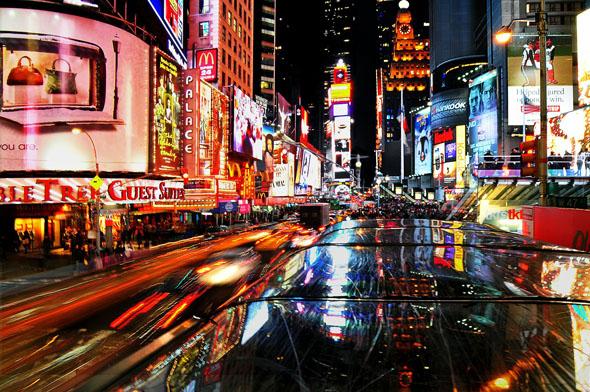 Bright light City: am Times Square in New York steigt wieder eine gigantische Silvesterparty.