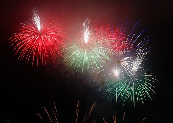Auch an spektakulären Feuerwerken mangelt es in der Silvesternacht nicht.