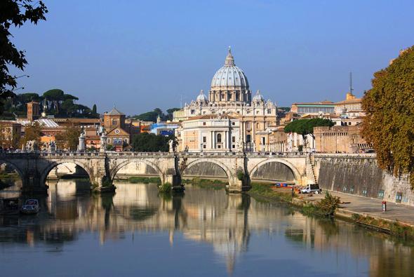 """Rom plant ab dem Jahr 2016 für Busse die Erhebung von """"Einfahrtsgebühren"""" in Höhe von 1.000 Euro - und das täglich. So will die Ewige Stadt den Verkehr im Heiligen Jahr beschränken."""
