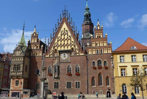 Das Breslauer Rathaus gehört zu den schönsten Gebäuden der historischen Altstadt.