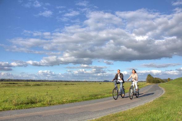 Das Teufelsmoor kann man am besten auf dem Fahrrad erkunden. (Foto: djd)