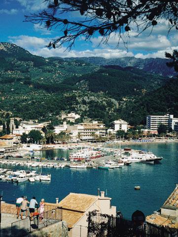 Blick auf den Hafen von Sóller. (Foto Turespaña)