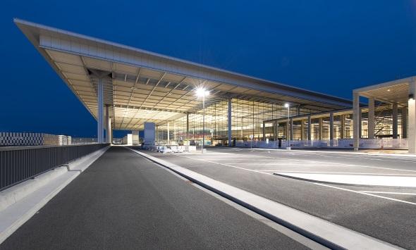 Unter Umweltschutzaspekten scheint es durchaus sinnvoll, die Fertigstellung des Airports weiter hinaus zu zögern. (Foto Alexander Obst/Marion Schmieding, Flughafen Berlin Brandenburg)