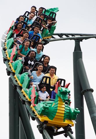 Auf rasante Fahrt können sich Besucher im in den Dubai Parks und Oresorts begeben.