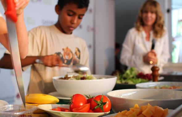 Wer möchte, lernt Tipps und Kniffe von renommierten Kochs kennen.