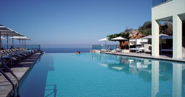 Baden mit Meerblick im Jumeirah Port Soller Hotel and Spa. (Foto Jumeirah )