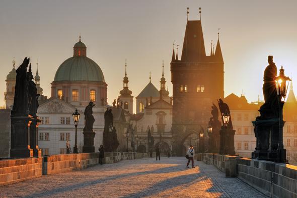 Die Karlsbrücke, das Prager Wahrzeichen, trägt den Namen des berühmten Monarchen. (Foto Dagmar Veselkova)