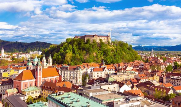 Hoch über Ljubljana thront die Laibacher Burg. (Foto Mostphotos)