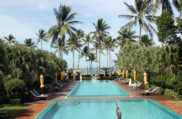 In Ergänzung zum Strand hält das Laem Yai Beach Resort noch drei Pools vor. (Foto Karsten-Thilo Raab)