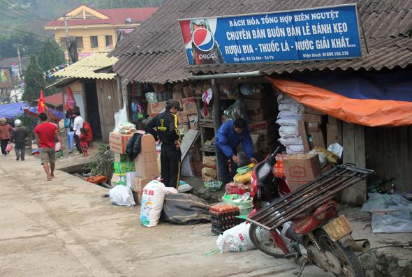 In Ta Van gibt es auch einige kleinere Läden, die das Notwendigste vorhalten. (Foto Karsten-Thilo Raab)