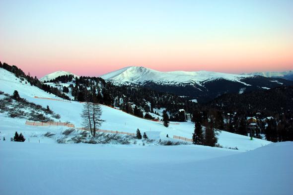 Besonders stimmungsvoll präsentiert sich die schneebedeckte Turracher Höhe in den Morgenstunden. (Foto Karsten-Thilo Raab)