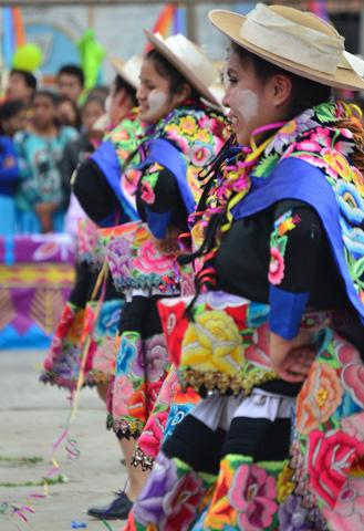 Zu Karneval sind viel Peruaner in feierlaune.