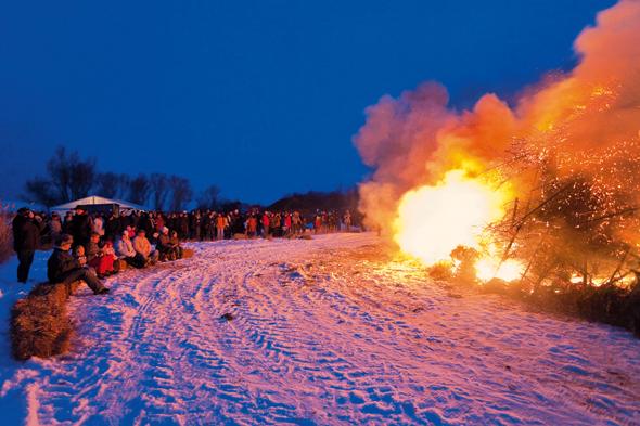 Das traditionelle Biikebrennen steigt am 21. Februar in vielen Teilen Nordfrieslands. (FotoKur- und Tourismusservice Pellworm)