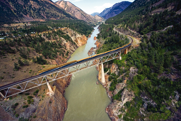 Allein die Streckenführung des Rocky Mountaineer lässt Eisenbahnromantiker ins Schwärmen geraten.