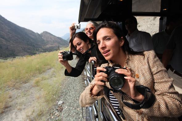 Spezielle Platformen ermöglichen es den Passagieren, während der Fahrt Landschaften auf den Digitalchip zu bannen.
