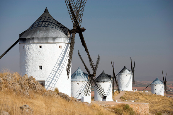 Sein berühmtesten Held, Don Quixote, ritt gegen Windmühlen an - in diesem Jahr wird dem 400. Todestag von Schriftsteller Miguel de Cervantes gedacht. (Fotos Spanisches Fremdenverkehrsamt)