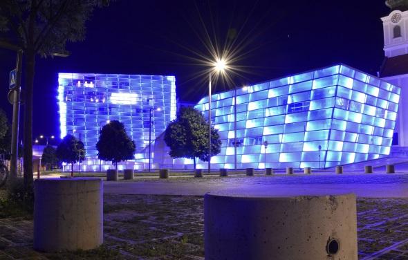 """In der """"Unesco City of Media Arts"""" Linz lässt sich Medienkunst auf ganz vielfältige, bunte Weise mit allen Sinnen erleben. (Foto: djd)"""
