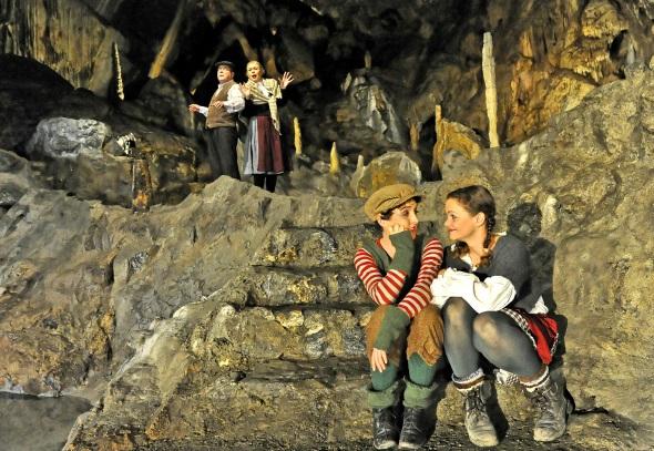 """Das Märchen """"Hänsel und Gretel"""" steht im Rübeländer Höhlentheater für Familien auf dem Programm. (Foto: Jürgen Meusel)"""