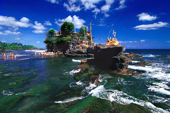 Spektakulär gelegen: der Tanah Lot Temple auf Bali.