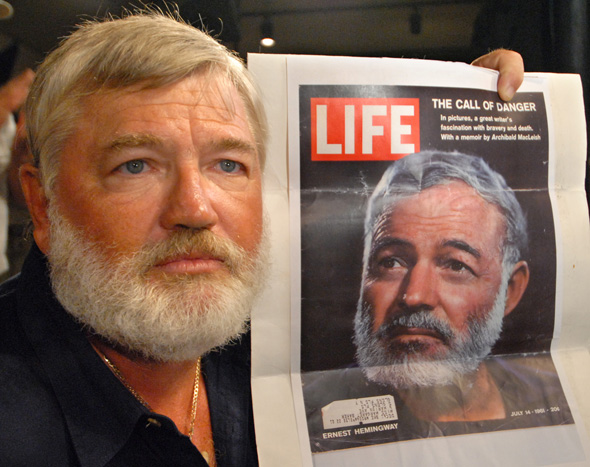 Ein fast perfekter Hemingway Doppelgänger bei den Hemingway Days in Key West (foto Florida Keys News Bureau)